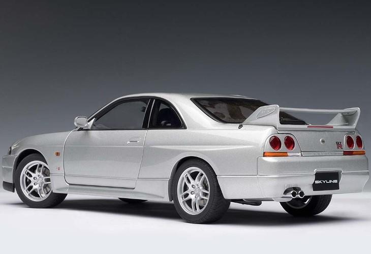 GT-R — R33
