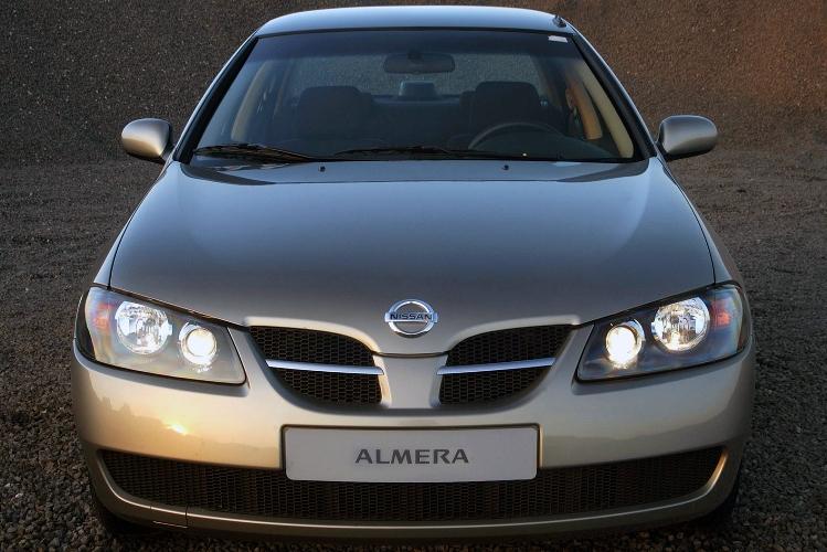 Nissan Almera n16 — разборка передних сидений