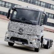 Электрический грузовик Urban eTruck, попытка Daimler стать на шаг ближе к будущему